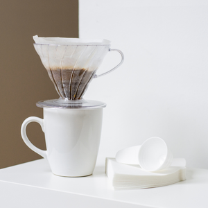 V60 Coffee Dripper with Filters (02)