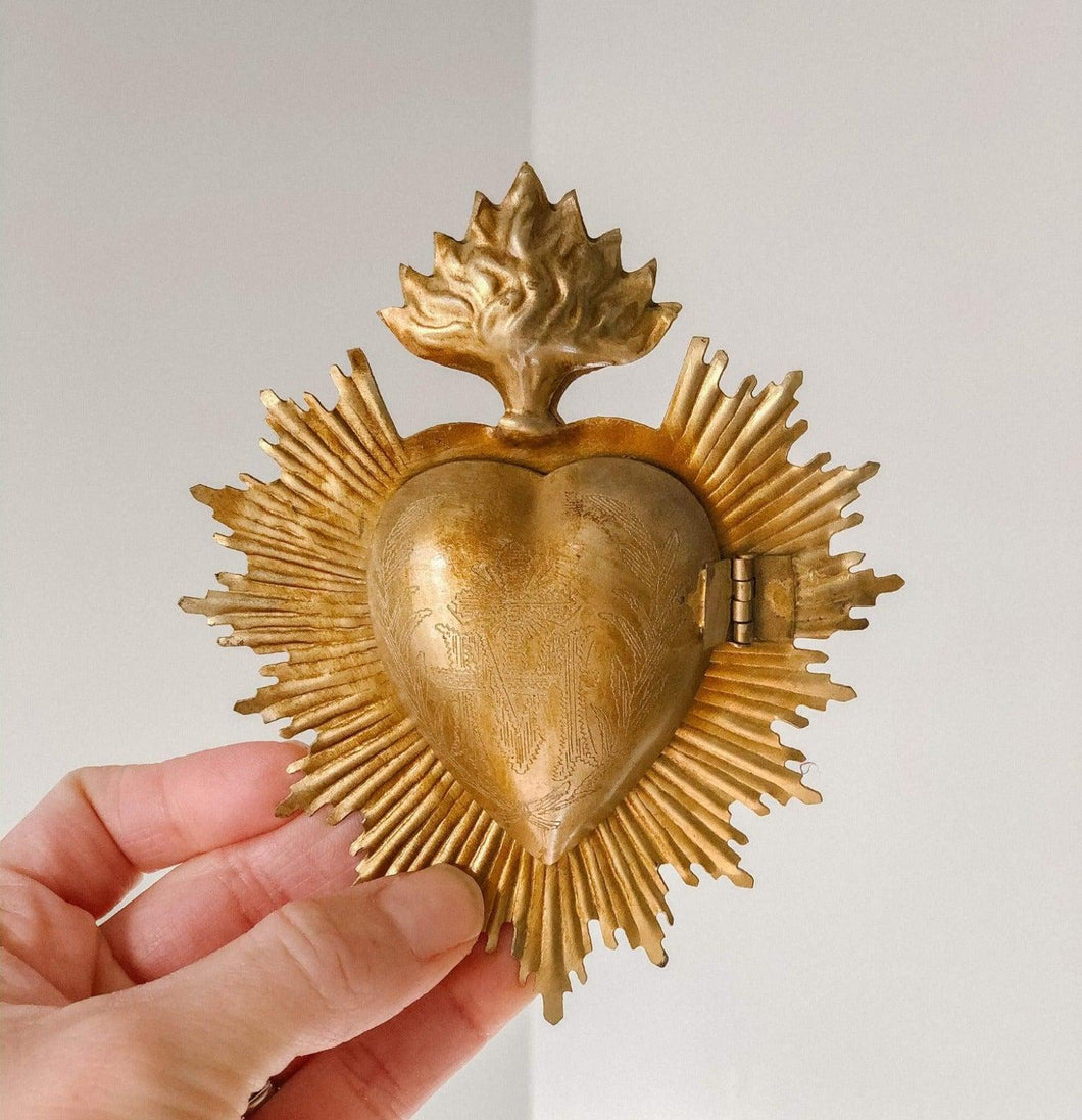 Beautiful Vintage Sacred Heart Medallion