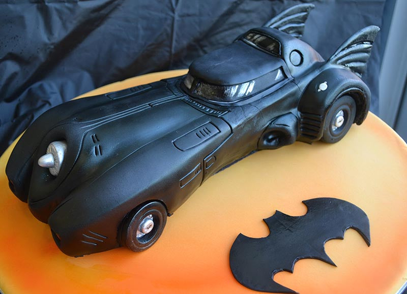 Batman (1989) Batmobile Cake, via Chicks Love the Car