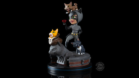 Photo of Catwoman Q-Fig Elite