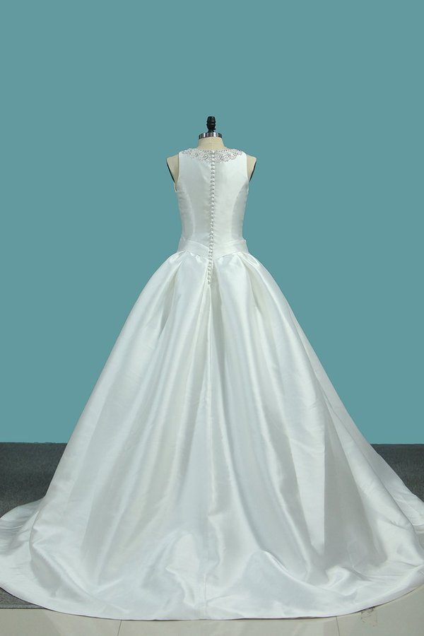 A Line Wedding Dresses Satin Scoop With Beading PTDAT367