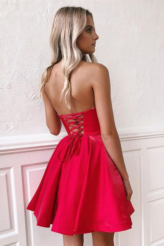 Simple Red Satin Sweetheart Strapless Homecoming Dresses Above Knee Short Prom Dresses