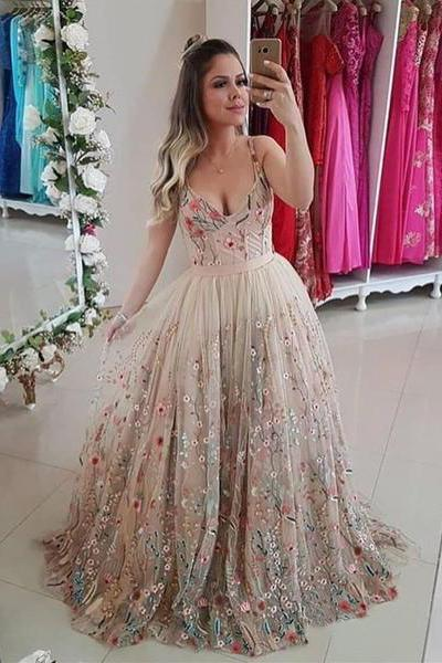 Spaghetti Straps Floral Embroidery Sweetheart Prom Dresses Long Formal Dress