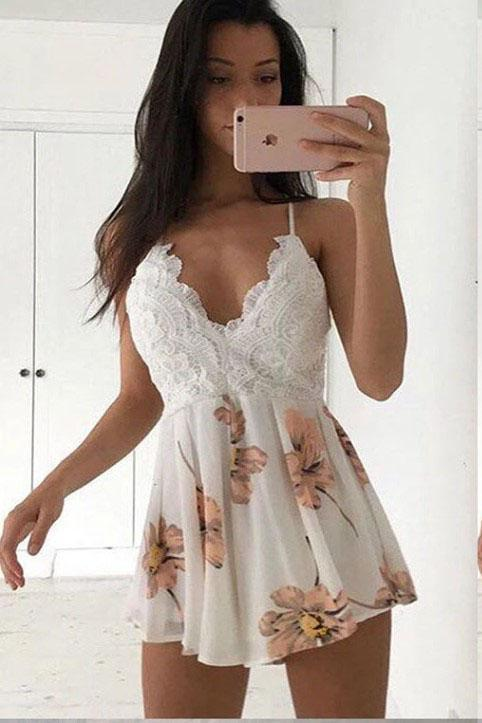 Spaghetti Straps V Neck Above Knee Homecoming Dresses with Lace Short Prom Dresses