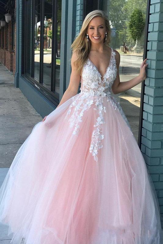 Charming Ball Gown V Neck Tulle Lace Appliques Prom Dresses, Evening STI15625