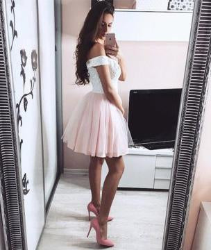 Pretty Lace V Neck Tulle Off the Shoulder Light Pink Sweetheart Homecoming Dresses