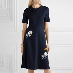 Tory Burch Pailletten besticktes Stretch Ponte Kleid UVP $ 398 Zoom Boutique Store Kleid Tory Burch Pailletten bestickt Stretch Ponte Kleid | Zoom Boutique