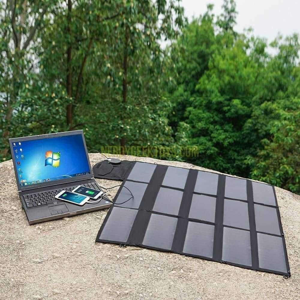 Rambo Solar Panel Battery Pack for Laptops USB And DC Outlets - nerdygeektoys.com