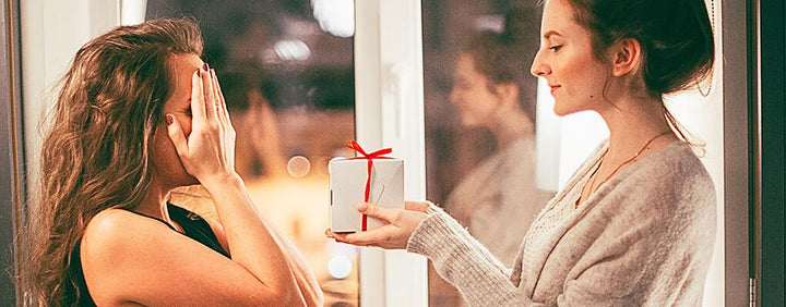 7 Christmas Gift Ideas for a New Partner