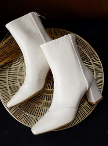Off White Smooth Leather Ankle Boots for women - Eugenia Molina