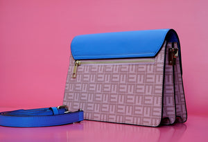 a must have leather handbag.  crossbody bag for women. Designer leather bag in blue.  Bolsos de piel hechos en italia.
