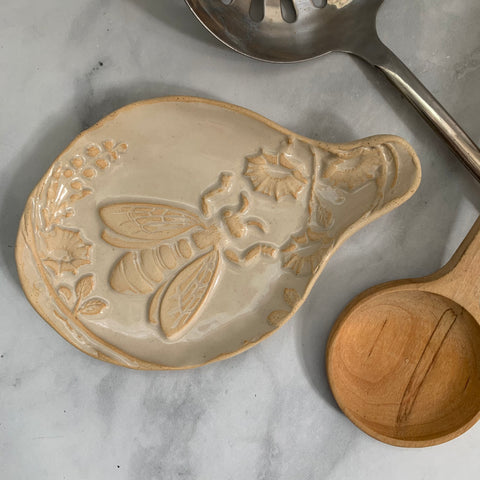 #32 Ceramic Spoon Rest with Honey Bee in Garden Design Cream Color FREE U.S. SHIPPING