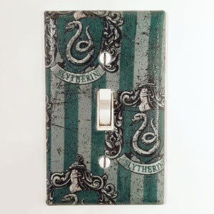 Slytherin Harry Potter Outlet Cover Front View