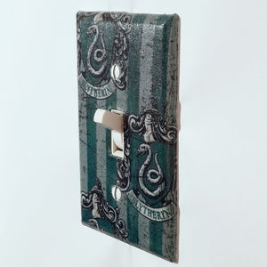 Slytherin Harry Potter Outlet Cover Side View