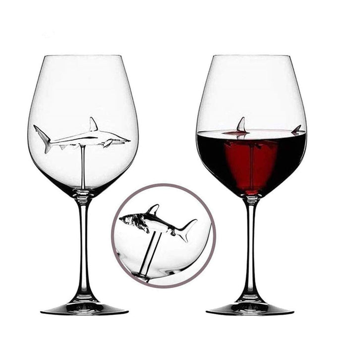 Italian Red Wine Glasses , Shark Glasses with Shark Inside for Adults,Creative Goblet Glass,Lead-Free Crystal Clear Glass,High-end Flutes Glass Perfect for Homes/Bars/Party (Shark 2pcs)