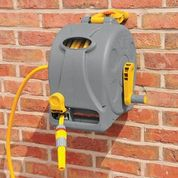 Load image into Gallery viewer, Compact and Tidy Hosereel 25m