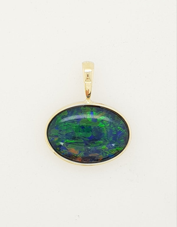 9ct yellow gold 14mm x 10mm Oval Triplet Opal Pendant