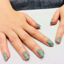 Load image into Gallery viewer, CND Shellac Luxury Manicure