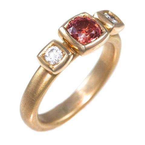 <b>ORANGE SAPPHIRE & DIAMOND RING</b><br>by G.S. DESIGN