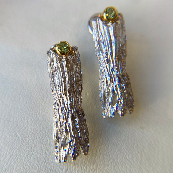STERLING SILVER 0.22 CTTW CHRYSOLITE LOG EARRINGS - PERSONA JEWELRY