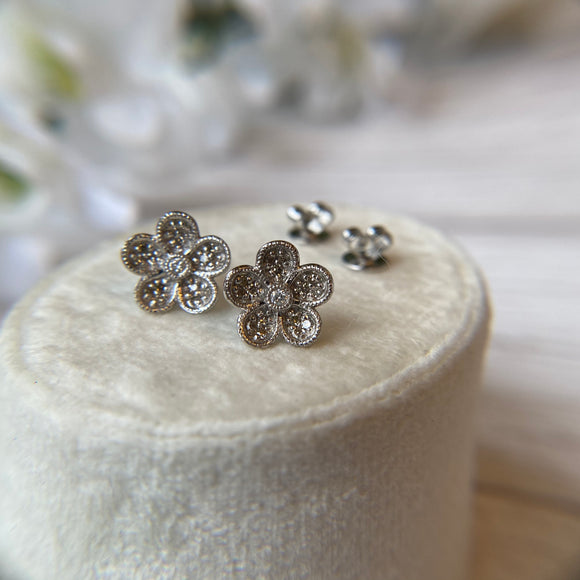 14K WHITE GOLD 0.10 CTTW DIAMOND FLOWER STUD EARRINGS - PERSONA JEWELRY
