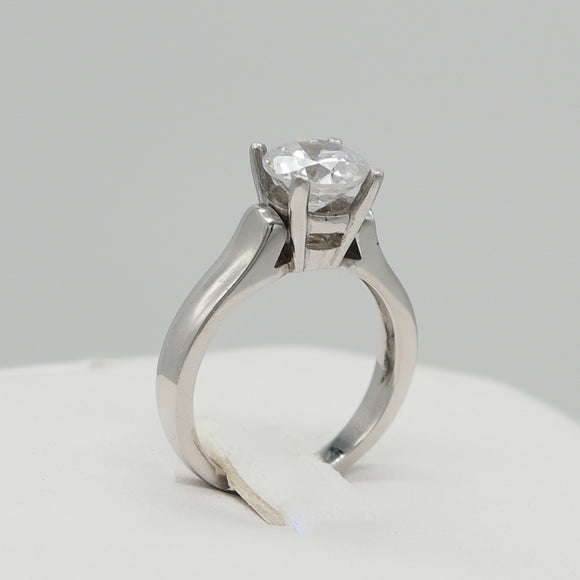CUSTOMIZABLE PLATINUM 4-PRONG SETTING ENGAGEMENT RING