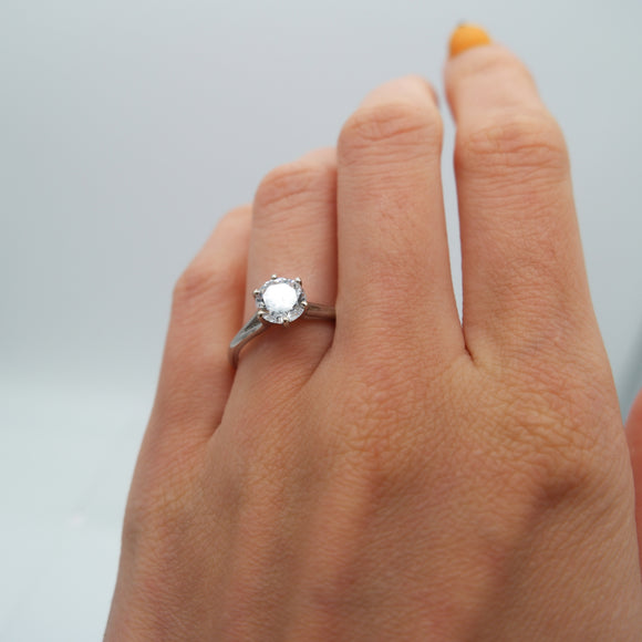 CUSTOMIZABLE 6-PRONG SETTING SOLITAIRE ENGAGEMENT RING