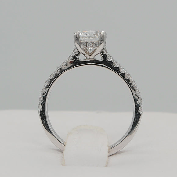 18KW 0.95 CTW ESI1 0.37 CTTW HALF WAY DIAMOND RING