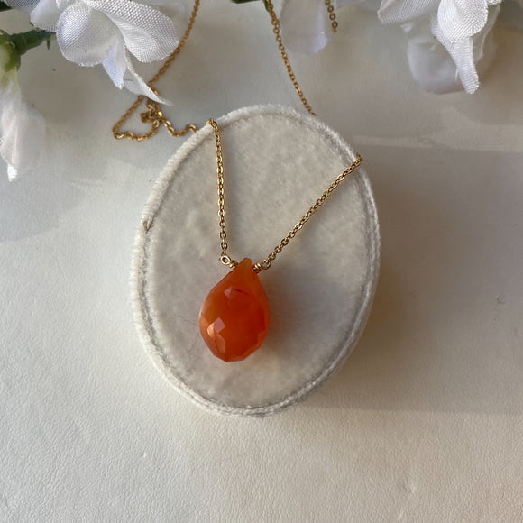 VERMEIL 11.39 CTW CARNELIAN TEAR DROP NECKLACE - PERSONA JEWELRY