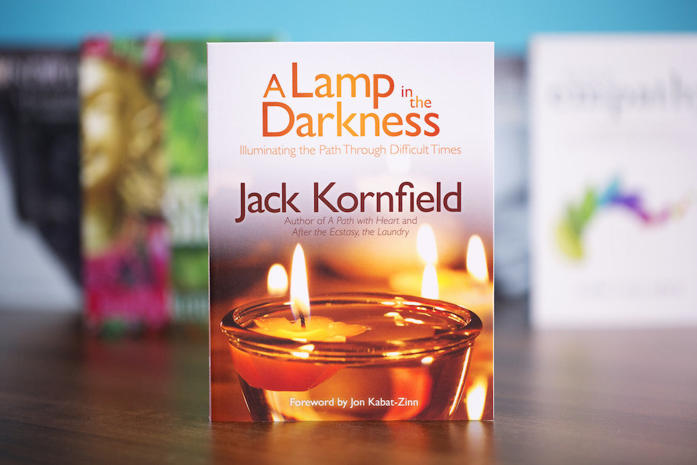 A Lamp in the Darkness: Illuminating the Path Through Difficult Times (Book & CD)
