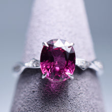 Load image into Gallery viewer, 2.06ct Garnet Ring
