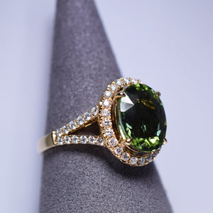 Green Tourmaline Ring - 3.761 cts