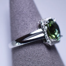 Load image into Gallery viewer, Green Tourmaline Ring - 2.91 cts