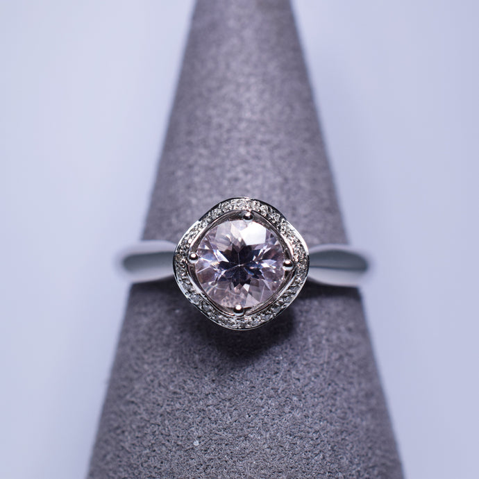 0.668ct Morganite Ring