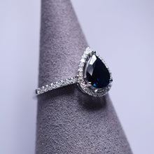 Load image into Gallery viewer, Blue Sapphire Ring - 1.06 cts