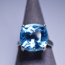 Load image into Gallery viewer, Blue Topaz Ring - 12.26 cts