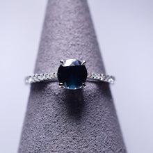 Load image into Gallery viewer, 0.932ct Sapphire Ring