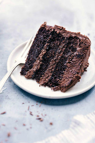 Ridiculously Good Low-Carb Chocolate Cake (15 Mins Baking time)