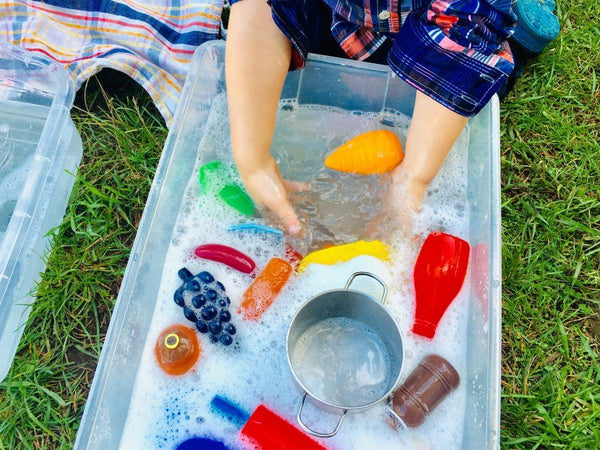 Toddler Play: Wash the Dishes