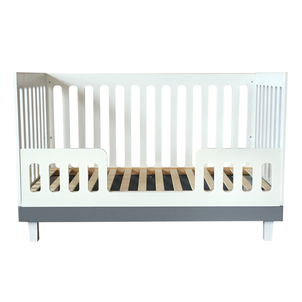 Load image into Gallery viewer, Cuddlebug Madison 3in1 Convertible Crib, White