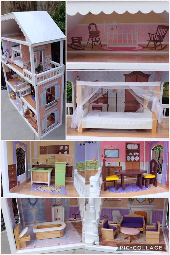 Julia's Play House