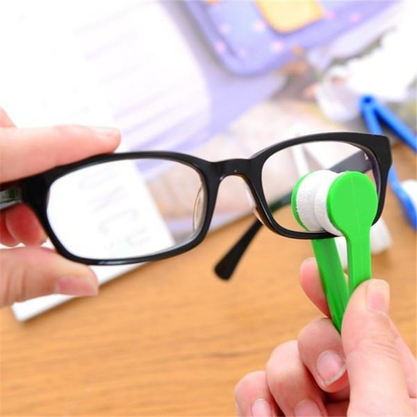 CLEVER EYEGLASSES WIPER