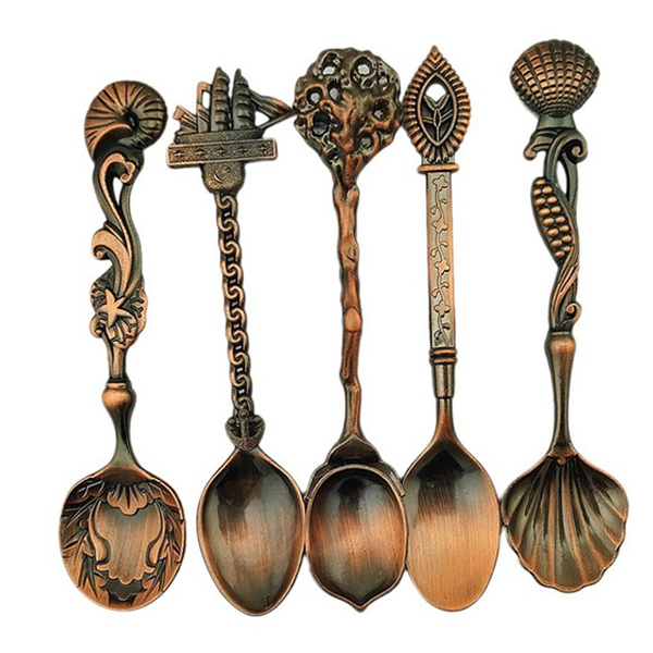 5 Set Alloy Vintage Royal Style Bronze Carved Cutlery