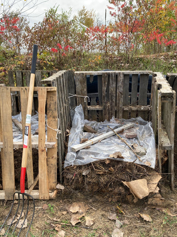 Covering compost to retain moisture