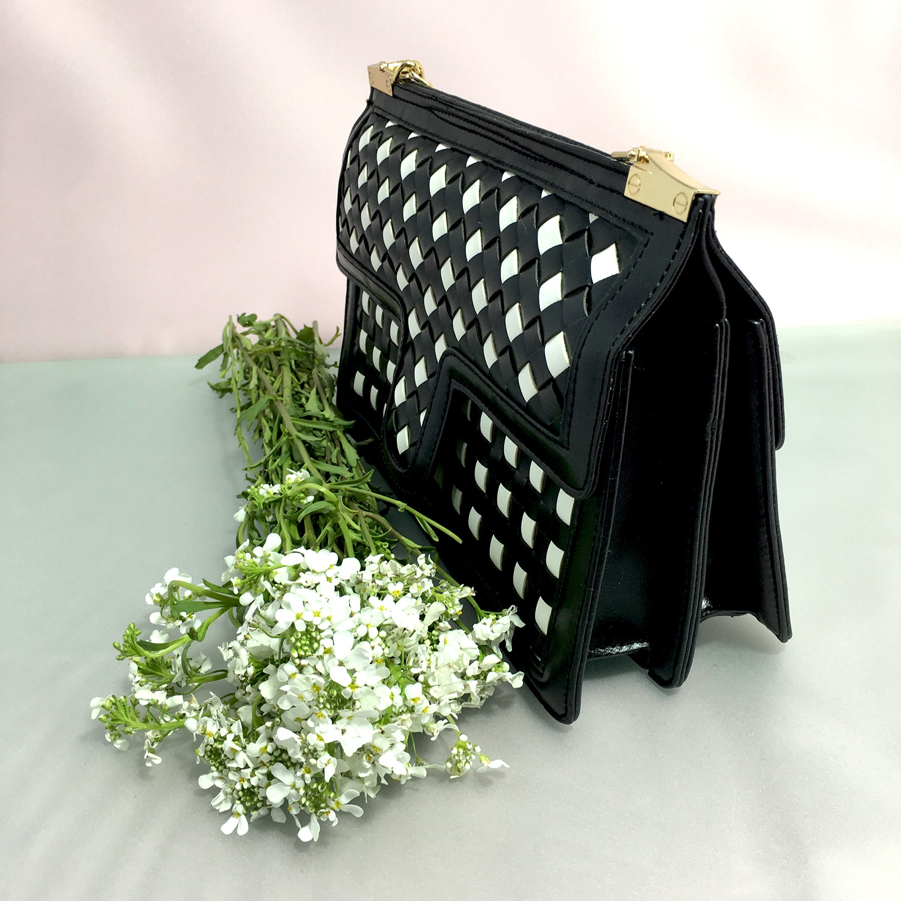 Ficuster Knitting Pattern Black Sling Bag