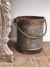 Load image into Gallery viewer, Rustic Vintage Planters