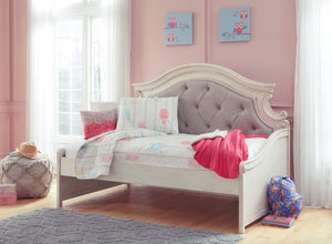 Realyn Twin Day Bed/ Storage Options