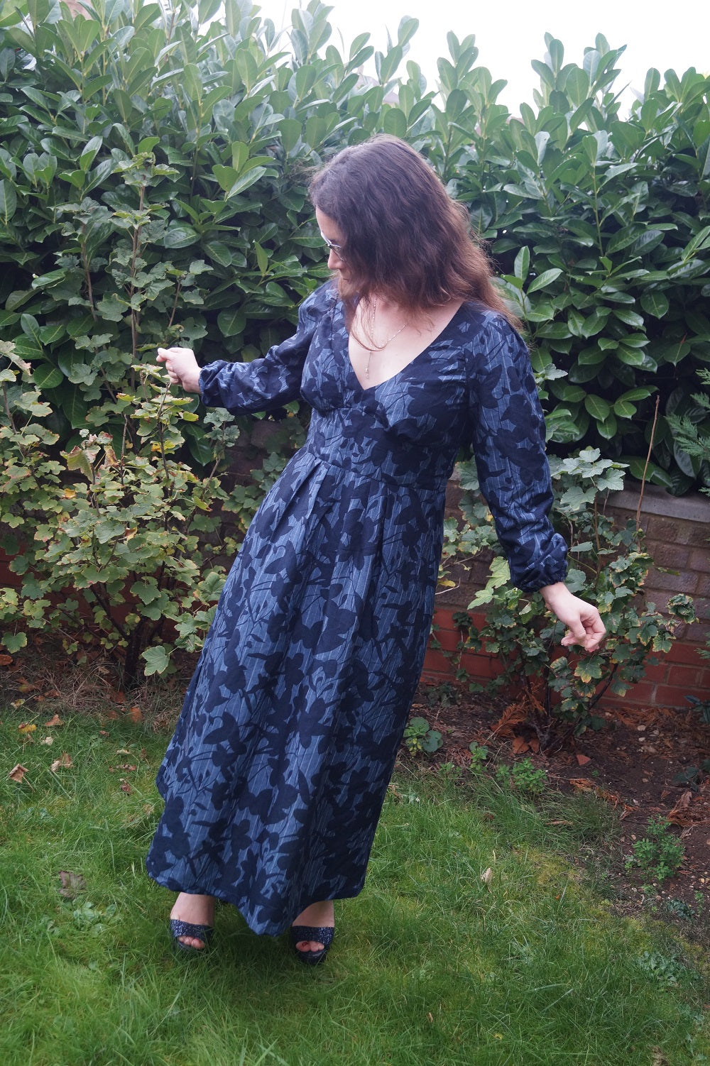 Bobbins and buttons sewing blogger- alix dress