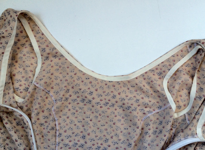 Pattern hacking Elisalex - how to sew a neckline capelet