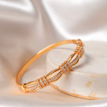 Load image into Gallery viewer, Regal Diamond Bangle